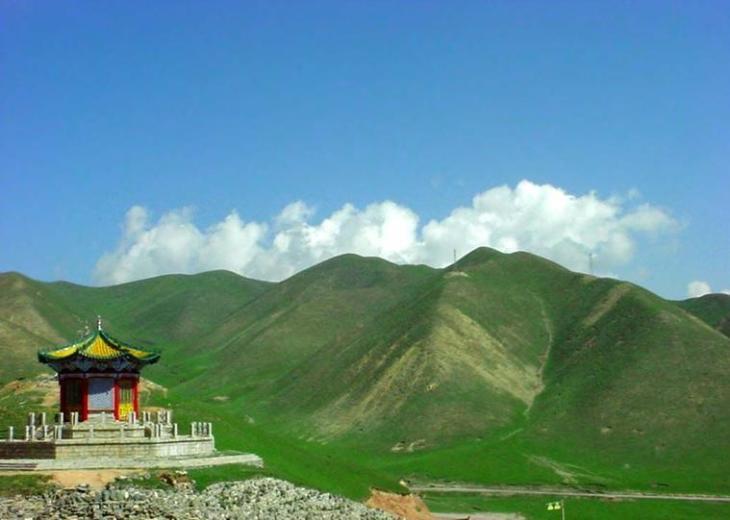 位于伊宁县吐鲁番于孜乡东北部