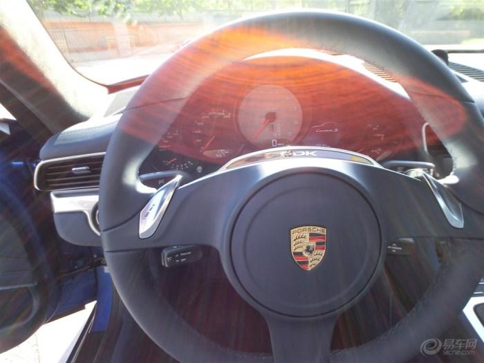 蓝色精灵 保时捷911卡雷拉s的提车作业高清图片