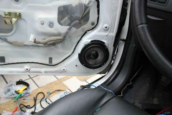 海马丘比特音响改装作业,cd主机 四门喇叭升级