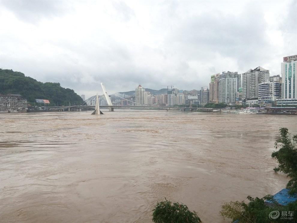 葫芦岛新区大润发洪水