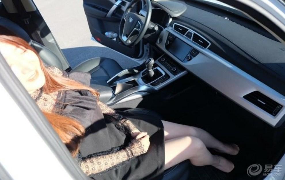 【美不美,看大片,长腿版主美女车模来袭,求美女脸的大腿玉图片