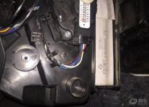 自己动手更换空调滤芯、改后排座锁扣