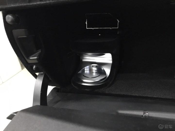 天津小吕奔驰改装E200E300原厂香氛负离子系统