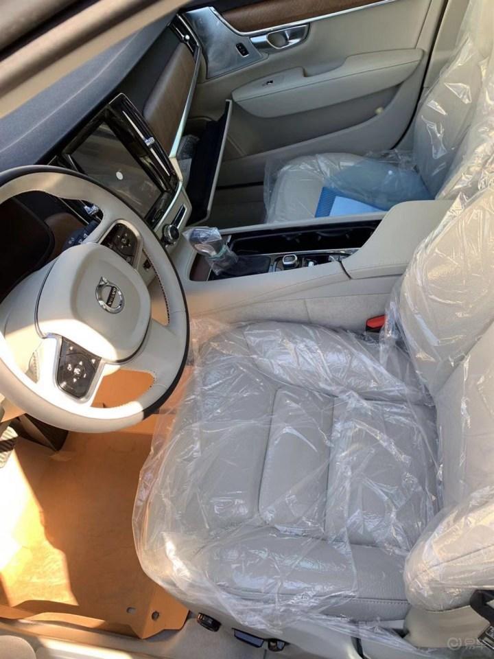 提车作业:S90L选车提车作业