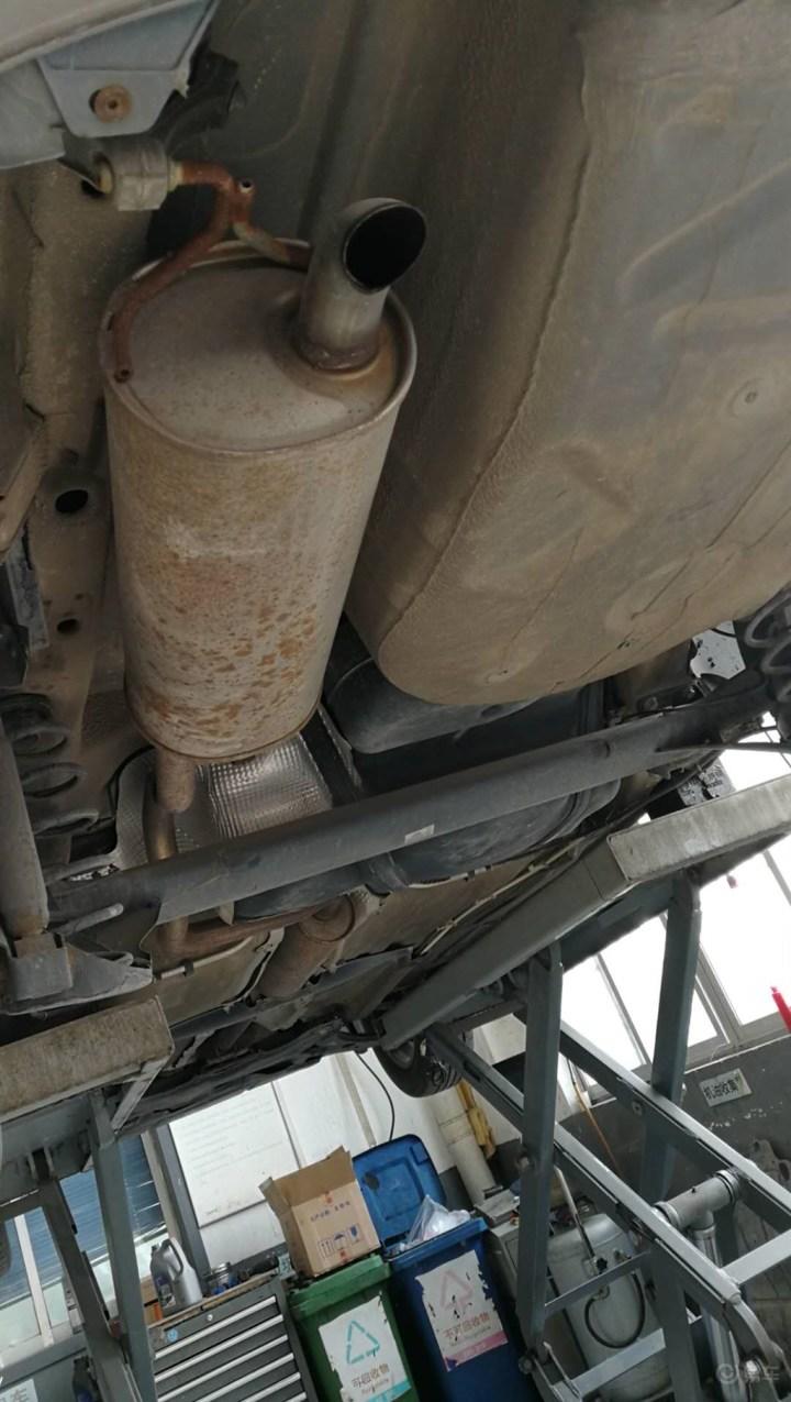 更换副驾安全气囊和保养