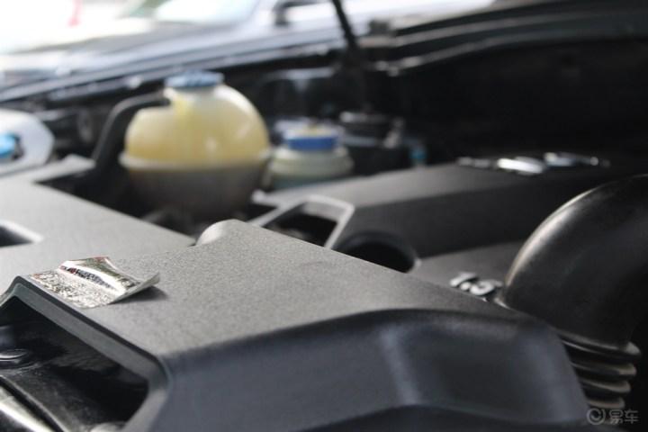 养车何必求人,教你自己动手清洗发动机舱
