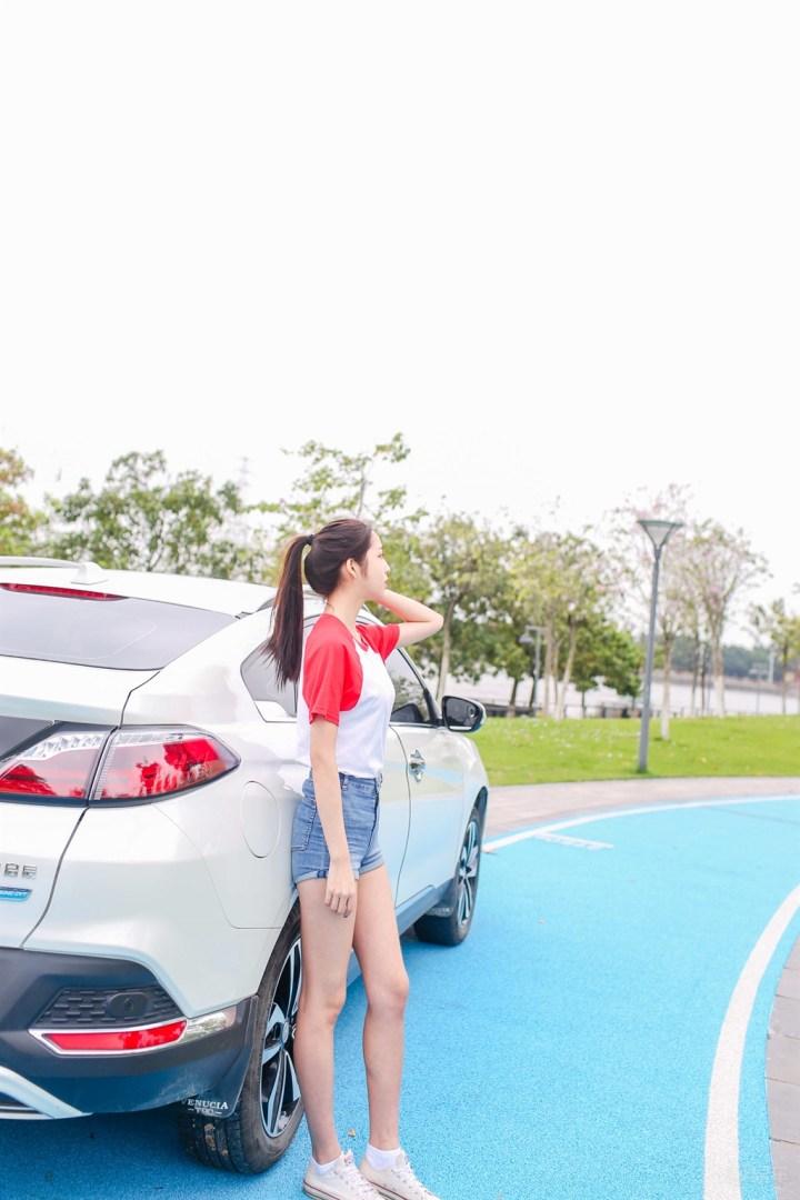 90后青丝雨【女友当车模,谁看谁得火!!】