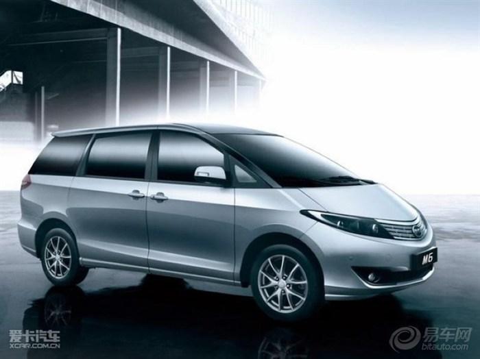 比亚迪m6在车辆内部乘车环境上达到了一个新的高度,7座车型,高清图片