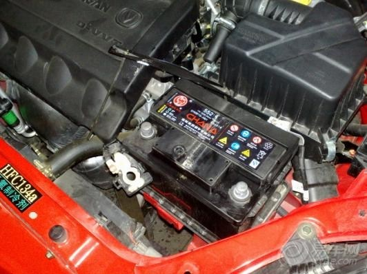 长安悦翔2012红色,行驶1200km,换发电机,电瓶!坑爹