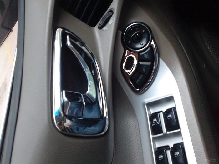 华泰圣达菲全套837改装车面目一新高清图片