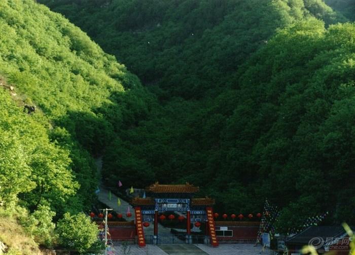 鹫峰山 唐山/下面我就把去年去鹫峰山游玩时的图片分享给大家: