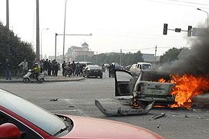五菱之光和轿车的碰撞事故