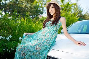 春暖花开 沃尔沃车模的波西米亚风