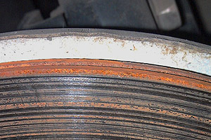 马六刹车盘磨损不均